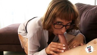 Spanish MILF Mar wants some cum on her tits