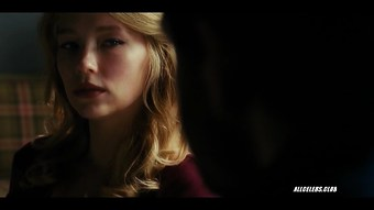 Haley Bennett in The Girl On The Train